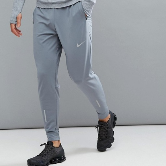 d095820490cc MEN S NIKE SHIELD PHENOM RUNNING PANTS SZ LARG. M 5b4d7569a5d7c627ac8002a3